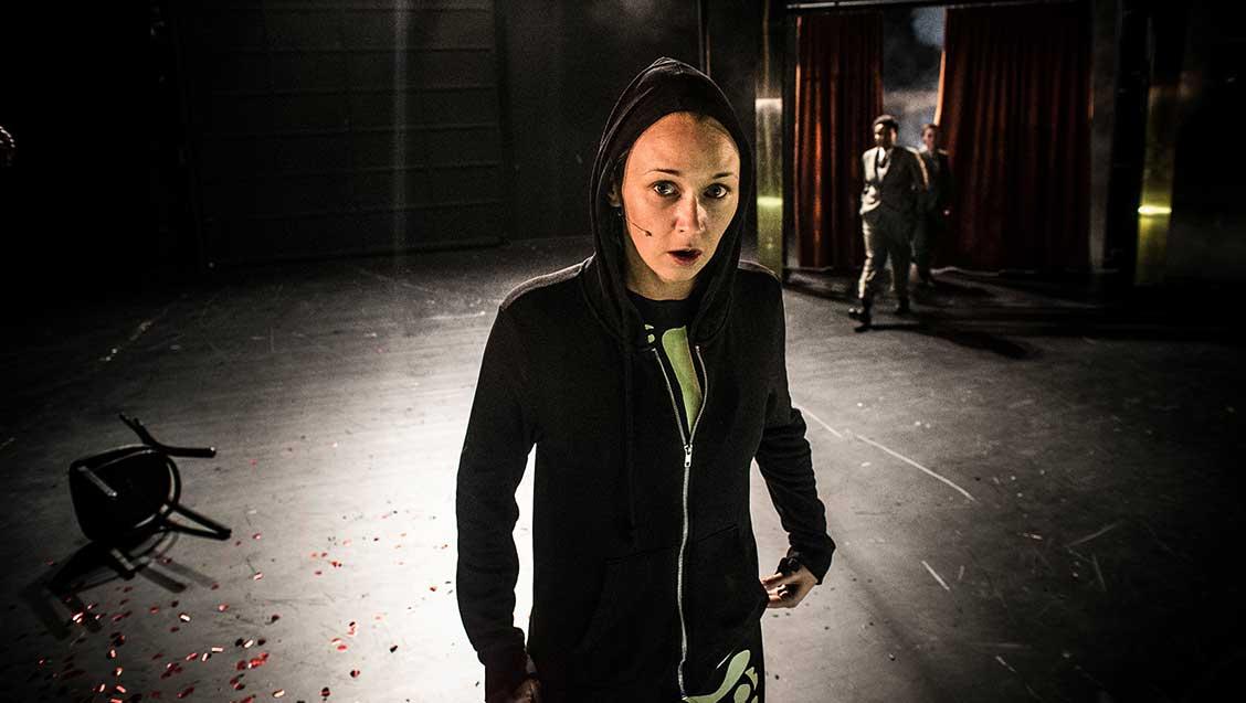 Marie-Blokhus-i-rolla-som-Hamlet-i-Hamlet
