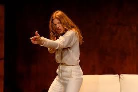 Teateranmeldelse: Girls & Boys er et ubehagelig stykke   Mona Levin